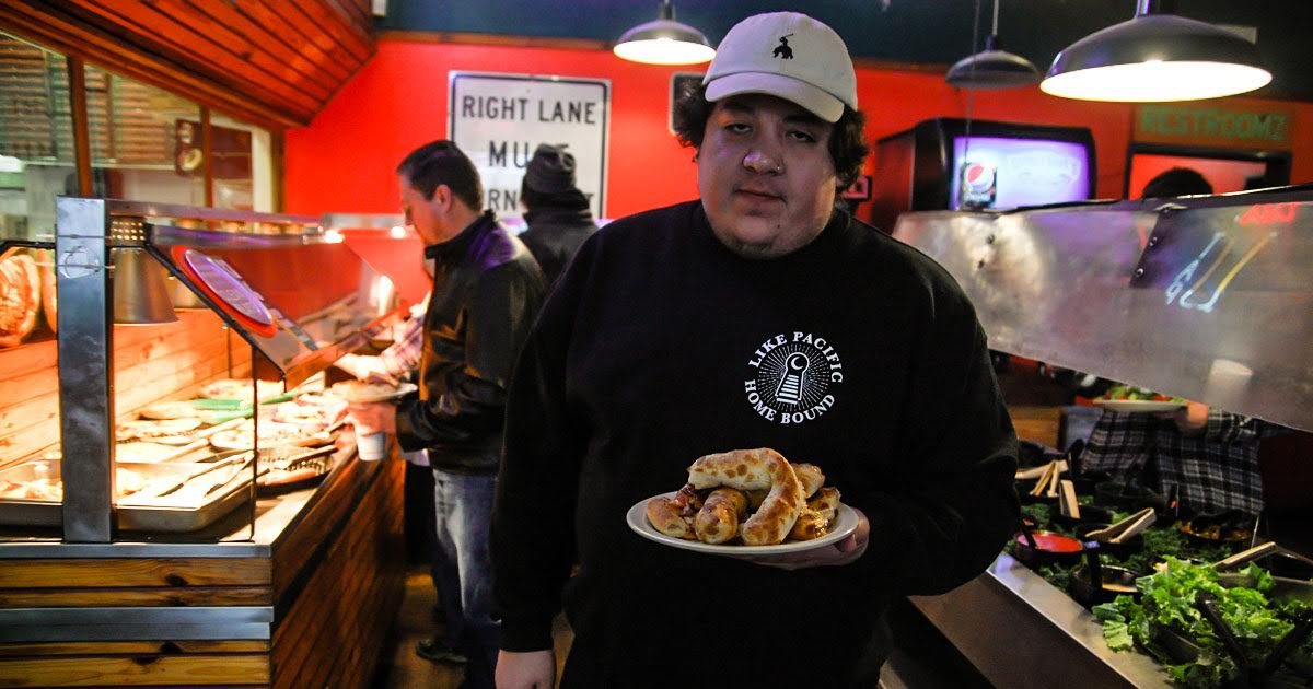 overweight pop punk frontman wants to get out of hometown buffet rh thehardtimes net