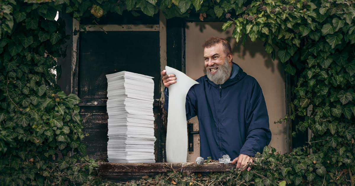 Bearded Jello Biafra Emerges from Home with 4,000 Page Reaction to