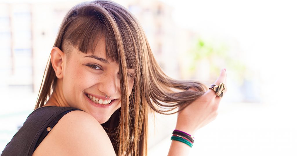"""4 DIY Haircuts That'll Have People Saying """"I Didn't Realize You Guys Broke up"""""""