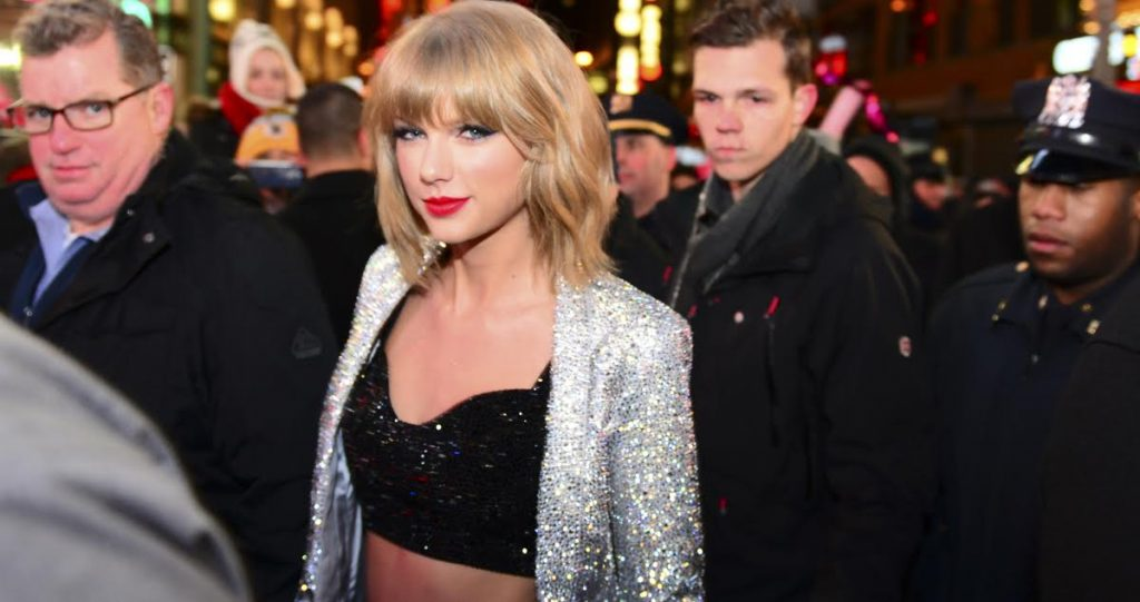 It's Time for Taylor Swift to Speak up About Racism and the Teeth I've Been Sending Her