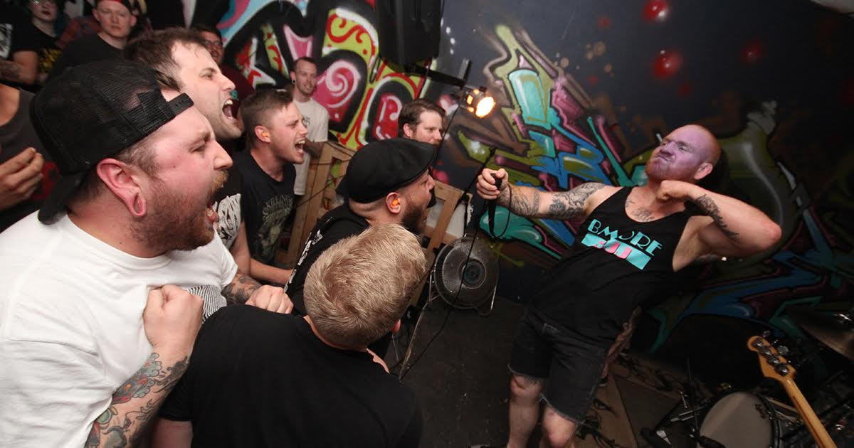 Frontman Going Into Cardiac Arrest Restarts Own Heart With