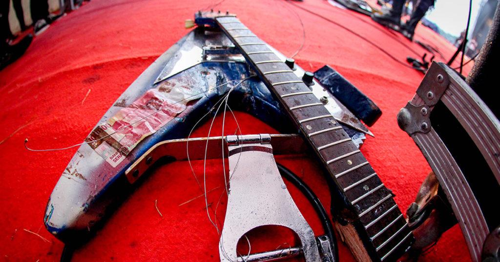 smashed, guitar, retirement