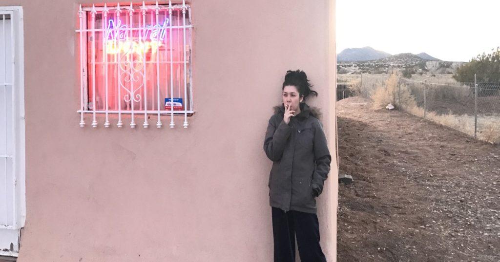 smoker, cigarrettes, alone, loser, sad