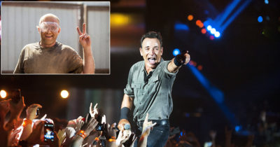 bruce, the boss, singer, naked, old man, new jersey, fancy, cool, weird, strange, fans, concert, microphone, worker