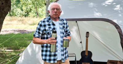bernie, appalachian trail, guitar